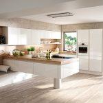 rodrix-küchenstudio-showroom-küche-dan-weiß-U-form-holz-wohnküche