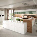 rodrix-küchenstudio-showroom-küche-dan-weiß-U-form-glänzend-anbauschrank-voll