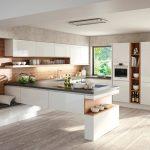 rodrix-küchenstudio-showroom-küche-dan-weiß-U-form-glänzend-natur