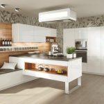 rodrix-küchenstudio-showroom-küche-dan-weiß-theke-glänzend-natur
