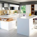 rodrix-küchenstudio-showroom-küche-dan-weiß-kombi-U-form-glänzend-offen