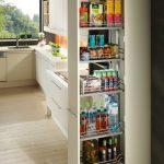 rodrix-küchenstudio-showroom-küche-dan-lade-weiß-hochschrank-lebensmittel