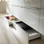 rodrix-küchenstudio-showroom-küche-dan-tieflade-weiß-lack