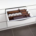 rodrix-küchenstudio-showroom-küche-dan-lade-holz-dunkel