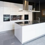 rodrix-küchenstudio-showroom-küche-weiß-lack-modern
