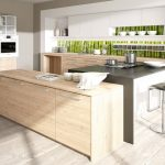 rodrix-küchenstudio-showroom-küche-holz-weiß-lack-modern-seitlilch