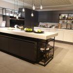 rodrix-dan-küchen-herbst-2019-natur-hell-kombiniert-schwarz